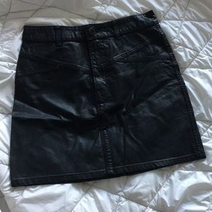 urban outfitters faux leather black skirt